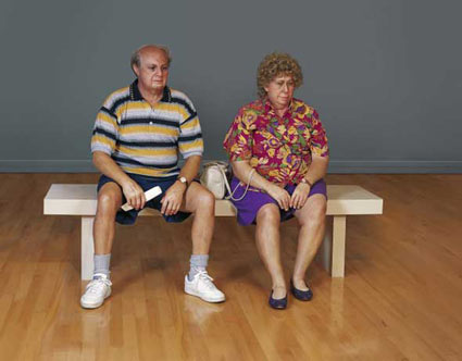 Olde couple on a bench - Duane Hanson
